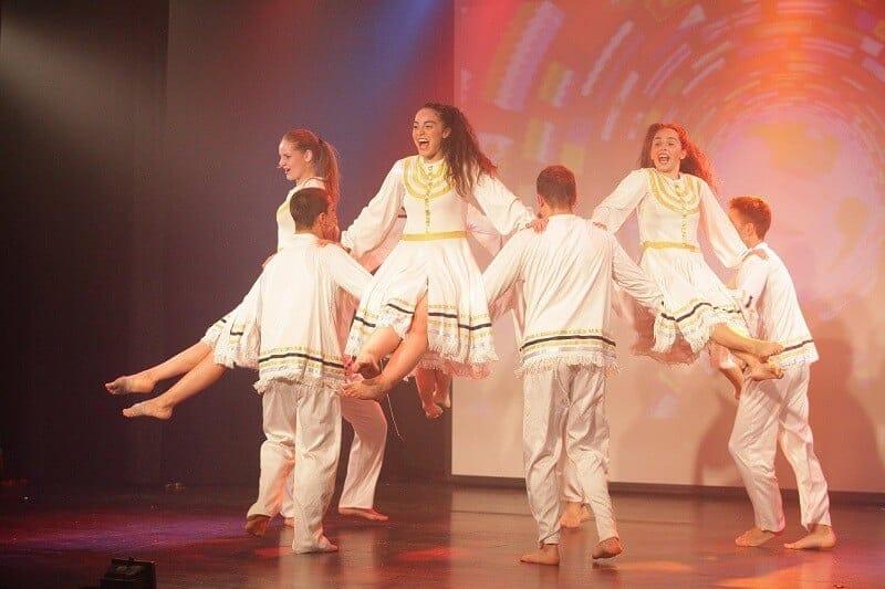 רוקדים ציונות